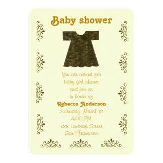Personalize, vestido do bebé do ouro convite 12.7 x 17.78cm