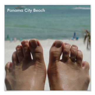 Pés com praia pôster