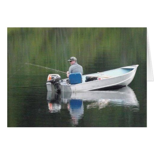 Pesca do irmão do feliz aniversario no lago no cartao