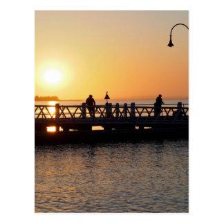 Pesca do nascer do sol cartão postal