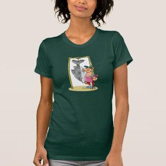 Pescador com o t-shirt das suas mulheres da
