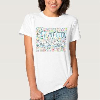 Pet a adopção/o t-shirt mulheres bonitas da coisa