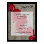 Pétalas de rosa vermelha no casamento de praia RSV Cartões Postais