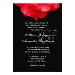 Pétalas de rosa vermelha que Wedding o convite V02
