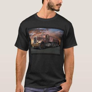 """Peterbilt do """"caminhão duelo"""" com camiseta do"""
