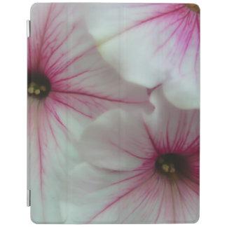 Petúnias cor-de-rosa macios e delicados capa smart para iPad