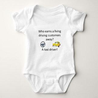 Piada do táxi body para bebê