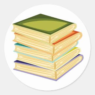 Pilha de etiquetas dos livros de escola