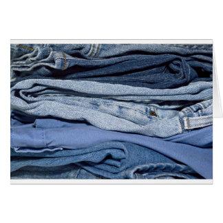 pilha de jeans da sarja de Nimes Cartão Comemorativo