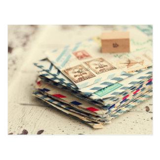 Pilhas de cartão das cartas de amor