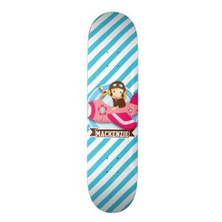 Piloto da menina no avião cor-de-rosa; Listras Skateboard