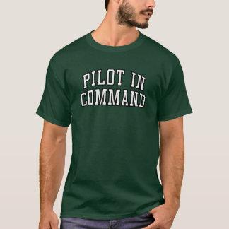 """Piloto T engraçado no comando"" Tshirts"
