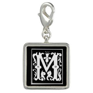 Pingente Encanto decorativo M da letra do monograma