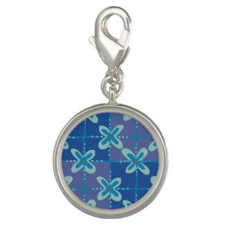 Pingente Teste padrão sem emenda do batik floral azul da