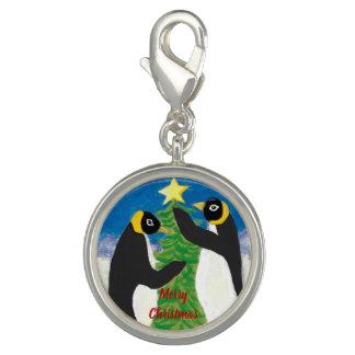 Pingentes Com Fotos O encanto redondo do Natal do pinguim, prateia