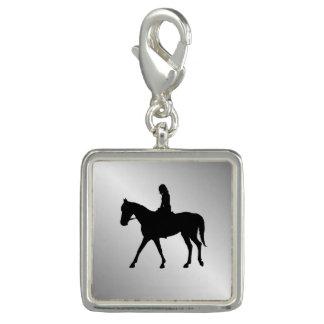 Pingentes Menina na prata do cavalo