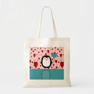 Pinguim adorável com balão do coração sacola tote budget