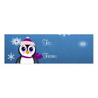 Pinguim adorável dos desenhos animados com lenço e cartoes de visitas