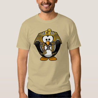 Pinguim animado pequeno bonito do faraó camisetas