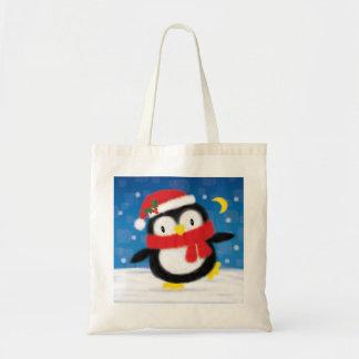 Pinguim bonito do Natal do ♥ do SACO do ♥ no azul Sacola Tote Budget