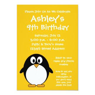Pinguim bonito e moderno dos desenhos animados convites personalizado