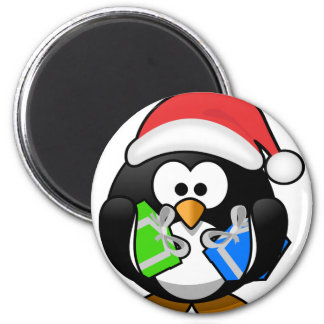 Pinguim com presentes imã
