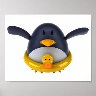 Pinguim com um pato de borracha pôster