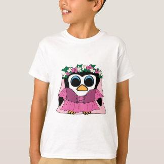 Pinguim da menina no vestido do renascimento