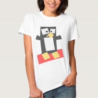 Pinguim dado forma quadrado dos desenhos animados tshirt