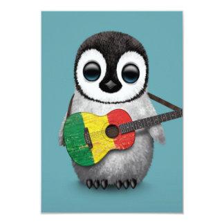 Pinguim do bebê que joga o azul da guitarra da convite 8.89 x 12.7cm