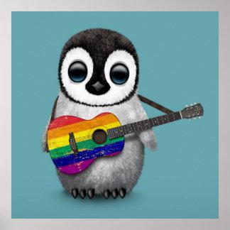 Pinguim do bebê que joga o azul da guitarra da pôster