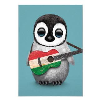 Pinguim do bebê que joga o azul húngaro da convite personalizado