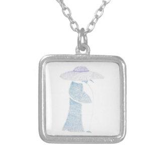Pinguim em um chapéu flexível colar banhado a prata