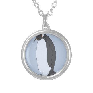 Pinguim grande colar banhado a prata