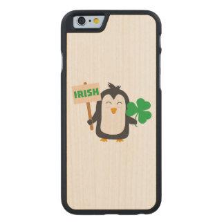 Pinguim irlandês com trevo Zjib4