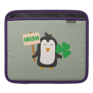 Pinguim irlandês com trevo Zjib4 Bolsa De iPad