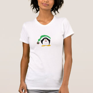 Pinguim legal em um chapéu verde de Christms Camiseta