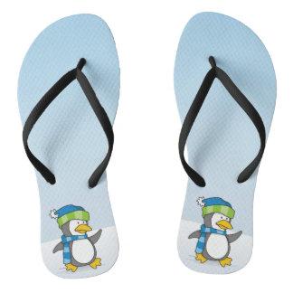 Pinguim pequeno que anda na neve chinelos
