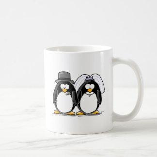Pinguins dos noivos caneca de café