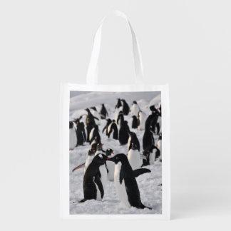 Pinguins no jogo sacola ecológica para supermercado