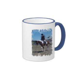 Pinte a caneca de café da mostra do cavalo do pône