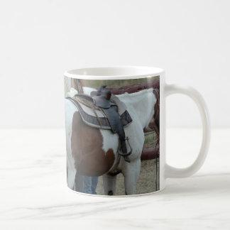 Pinte a cauda do cavalo canecas