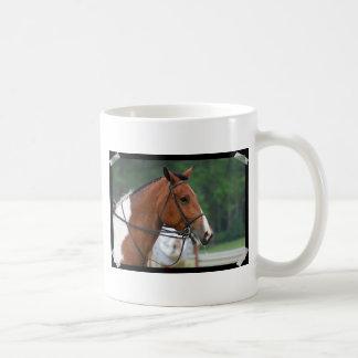 Pinte o cavalo da mostra caneca