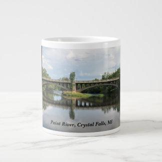Pinte o rio, quedas de cristal, caneca do MI