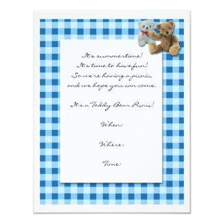 Piquenique do urso de ursinho com Tablecloth azul