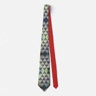 Pirâmide polinésia gravata