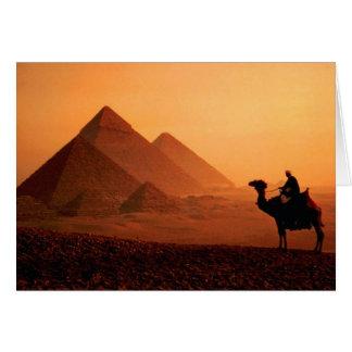 Pirâmides e cartão do camelo