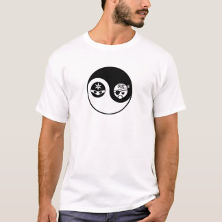 Pirata CONTRA Ninja Camiseta