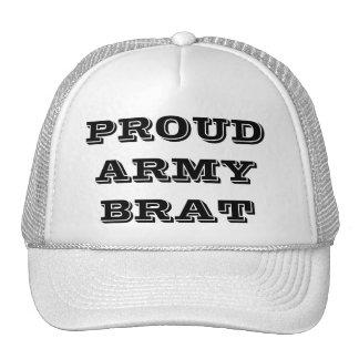 Pirralho orgulhoso do exército do chapéu boné