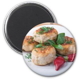 Placa com a galinha triturada meatballs fritada ímã redondo 5.08cm
